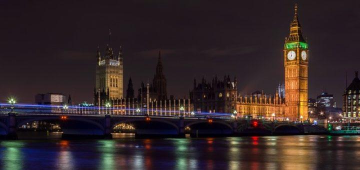 Ile kosztuje transport palet do UK?