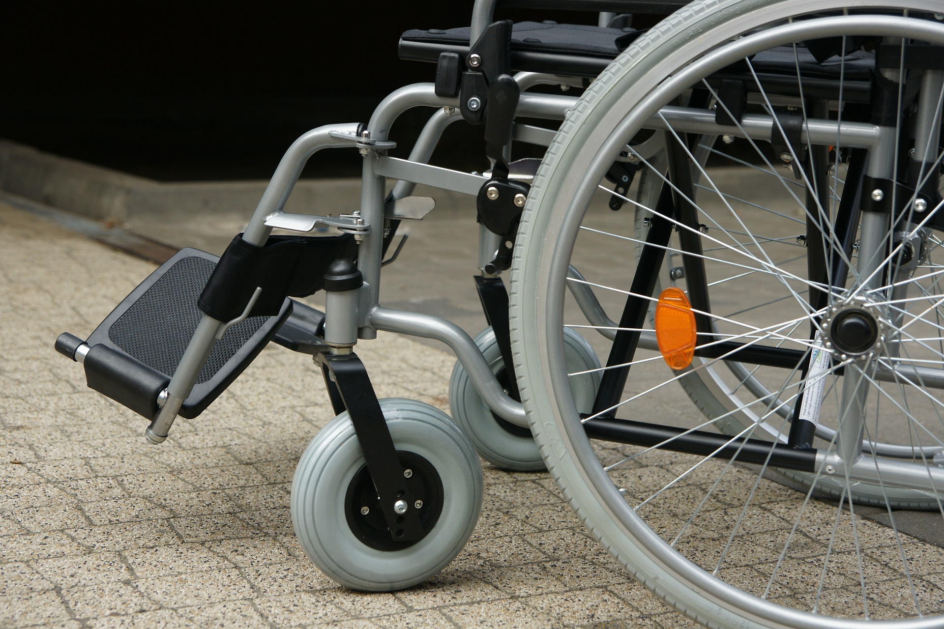 wózek inwalidzki transport