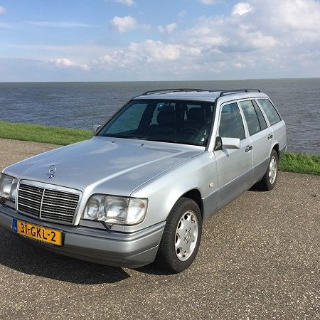 MERCEDES 124 SPOD AMSTERDAMU DO LODZI