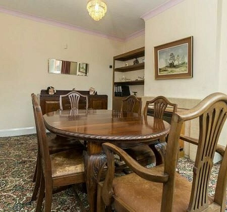 Table and 6 chairs x 1, mirror x 3, Sideboard x 1, Chair x 1, Coffee table x 1, wall mirror x 1
